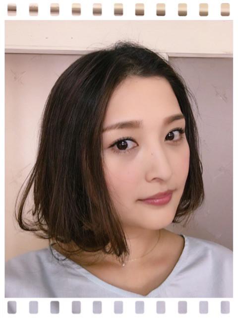 石川梨華、3年ぶりにバッサリ髪...