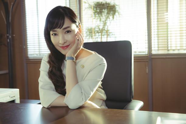 麻生久美子 出演ドラマ dele に子どもが興味津々 事件とか大好きなん