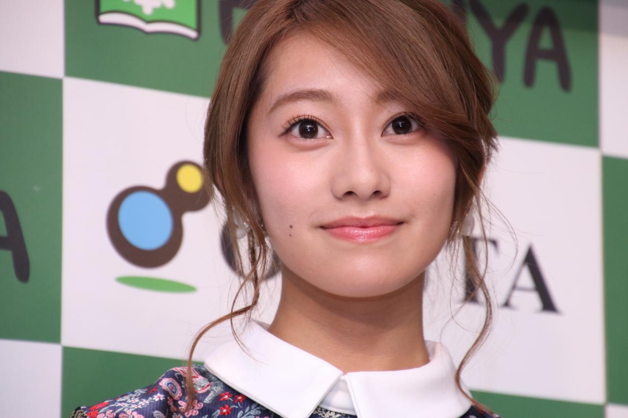 顔の肌がきれいな桜井玲香さん