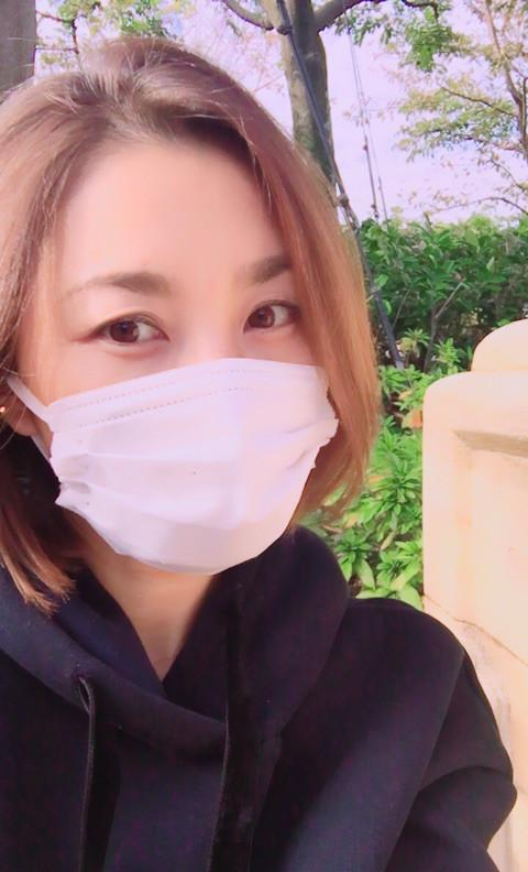 マスクをしている瀬戸朝香