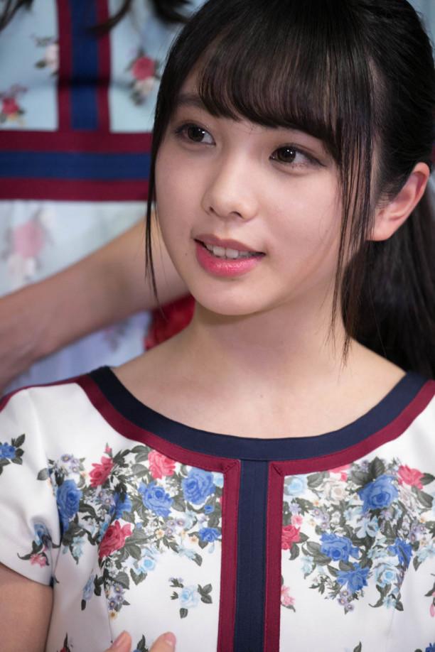 可愛い服の与田祐希