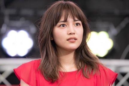 川口春奈、美しい横顔ショットでファンを魅了「うなじ色っぽい」「横顔美人」の声