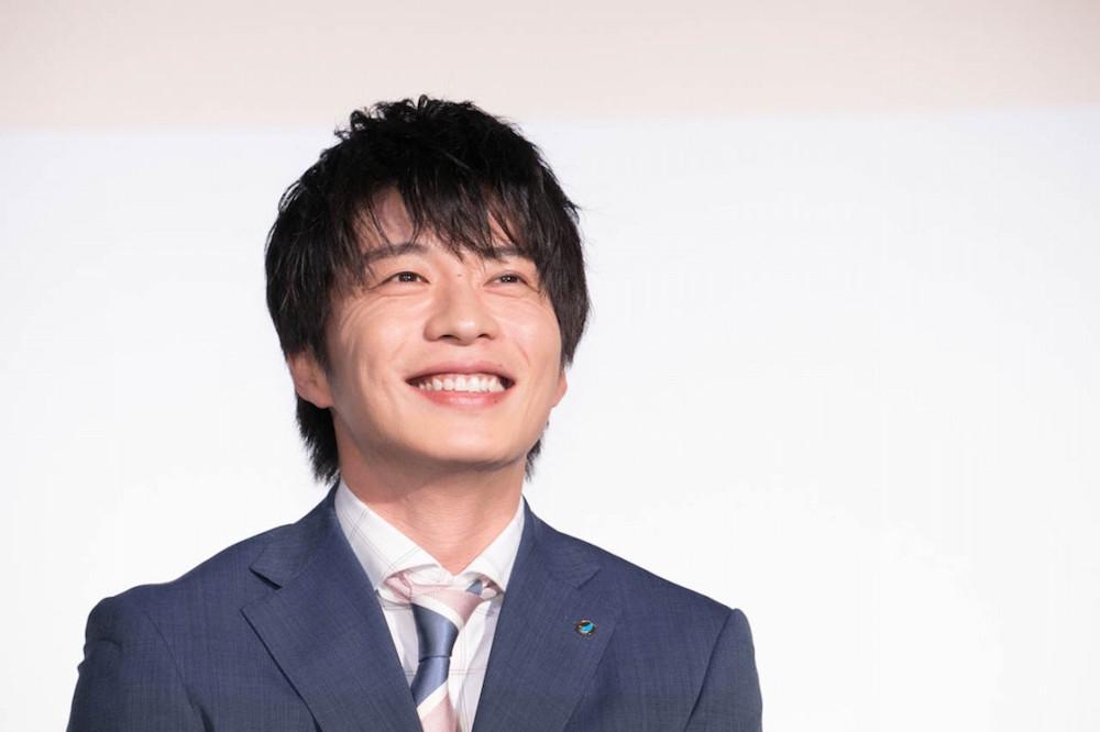 4月21日からスタートする土曜ナイトドラマ『おっさんずラブ』(テレビ朝日系)の公式Instagramに、同ドラマで主演を務める俳優の田中圭が登場。\u201cかっこよすぎる\u201d田中の