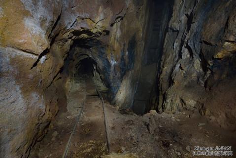 坑道 | 日本の鉱山記録写真