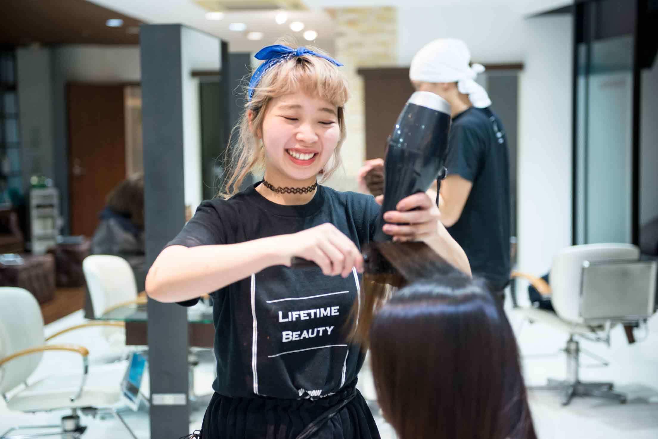 髪のアクセサリーが素敵な河邉千恵子さん