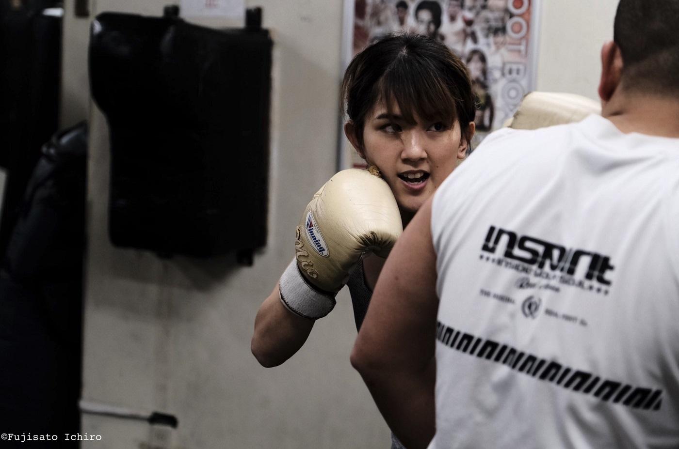 """格闘代理戦争の""""立ち技・最強女王""""MIO、シュートボクシングのリングで""""今年の主役""""候補に名乗りをあげるか!?"""