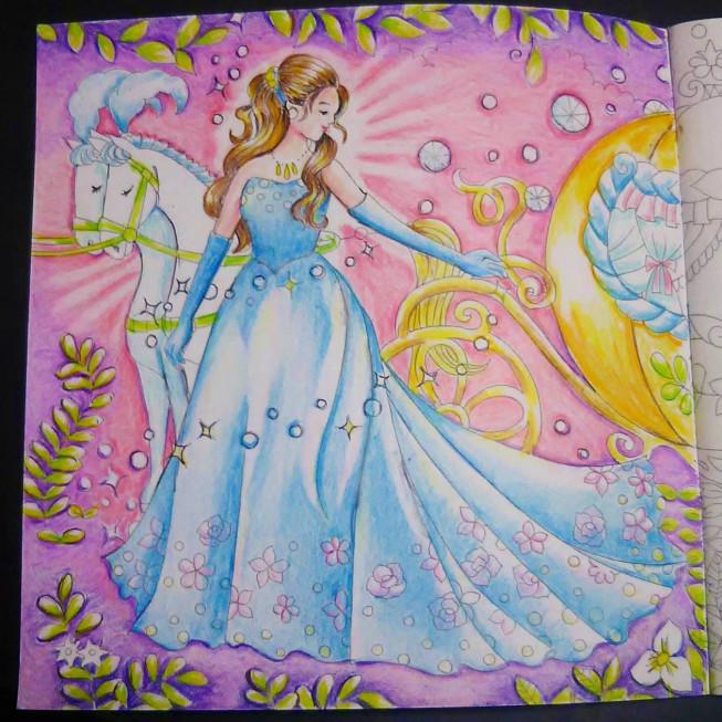 本日の塗り絵シンデレラ Color Trip 春名美咲の色鉛筆ギャラリー