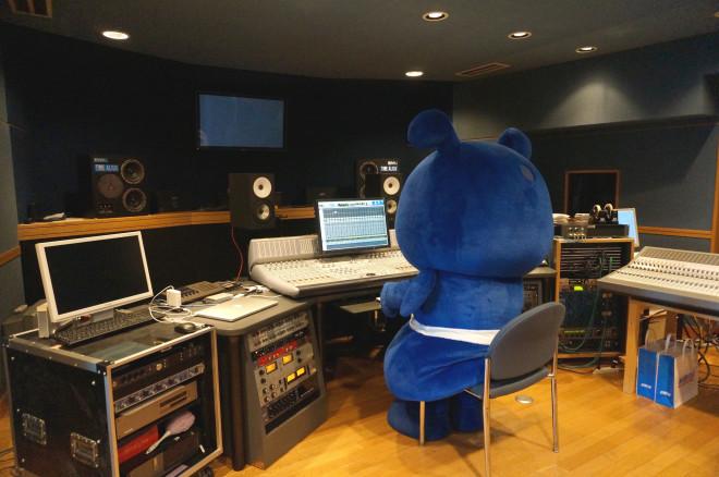 ヒビノレコーディングスタジオで、ヨコアリくんが本格収録 ...