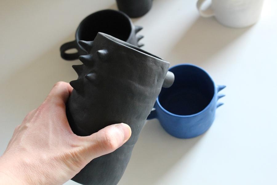日本初上陸!マルタ島の陶芸アーティスト手掛ける【Kira Ni Ceramics】ポップでアートな器