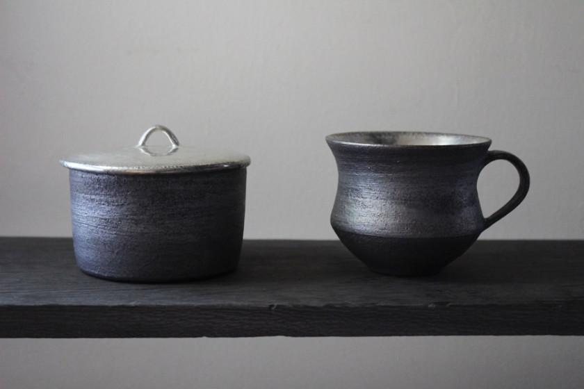 経年変化を楽しむ銀彩の器 陶芸作家【谷井直人】銀彩のマグカップ・ふたもの・楕円鉢 入荷いたしました!