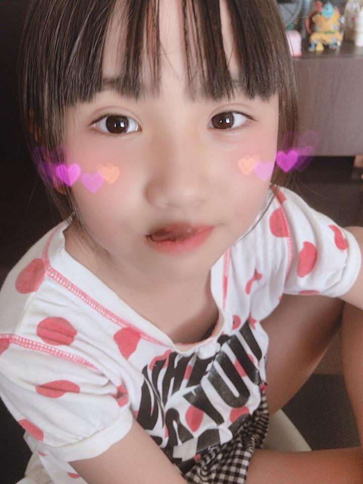 【画像】可愛い女子小学生のおっぱいが見えそう  [824160602]->画像>41枚