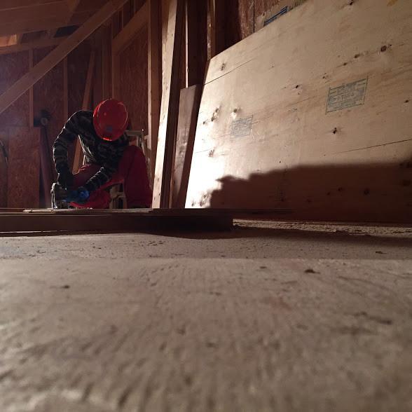 二階部分の組み立て作業