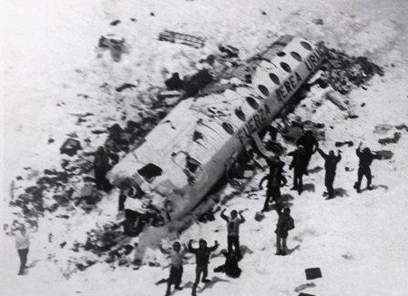 ウルグアイ 空軍 機 571 便 遭難 事故