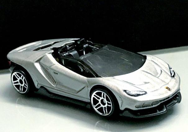Hotwheels 2019 16 Lamborghini Centenario Roadster Diecast Model